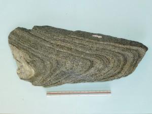 角閃石片麻岩の変形(褶曲)構造