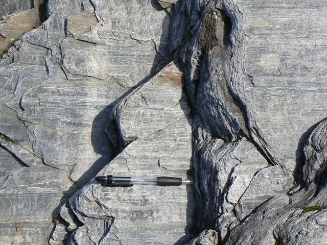 泥質片岩(黒色片岩)